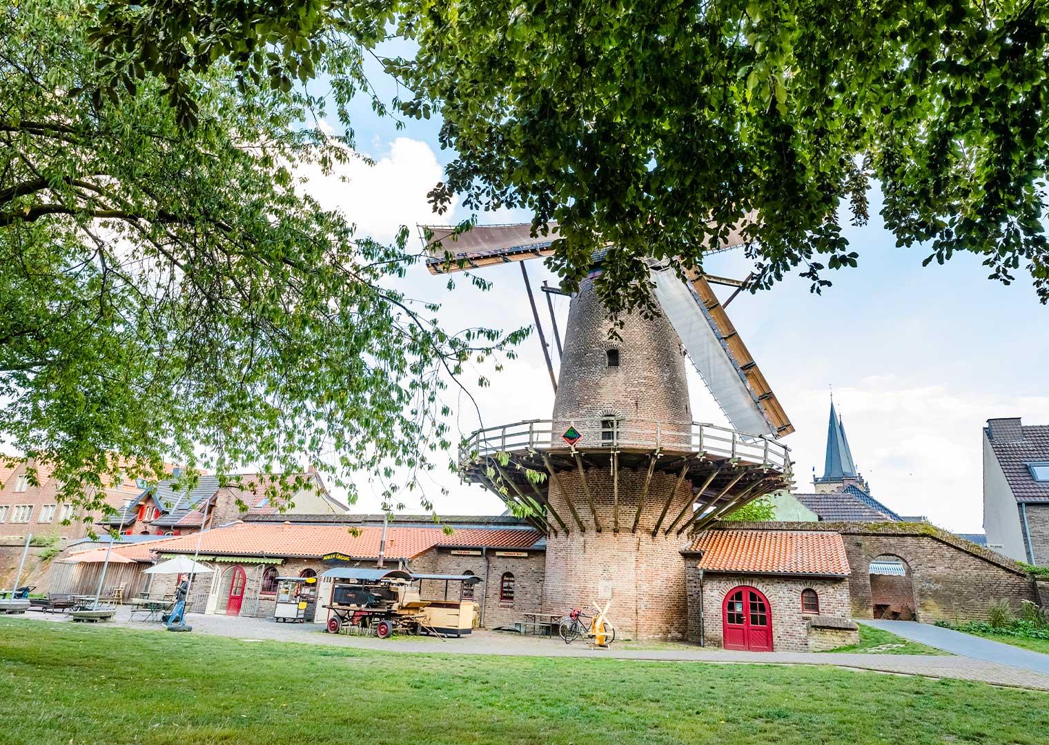 Link zur Bilddatei: dieter_berg_galabau_webseite_referenzen_kurpark_xanten_galeriebild12
